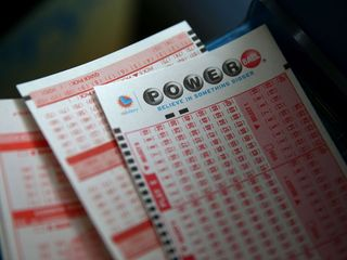 Winning numbers drawn for $435 million jackpot