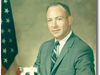 Apollo 14 astronaut Edgar Mitchell died
