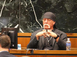 Hulk Hogan suing Gawker for a second time