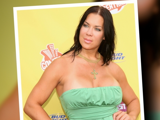 Former Professional Wrestler Chyna Dead At 45 10news Com