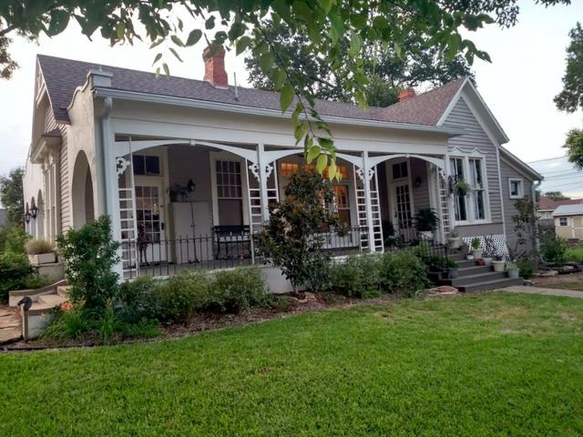 hgtv  u0026 39 fixer upper u0026 39  homes appear on rental sites