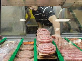 15 pounds of sausage falls on Florida home