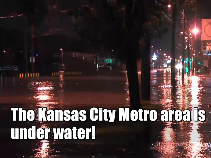 Flash flooding in Kansas City washes cars away