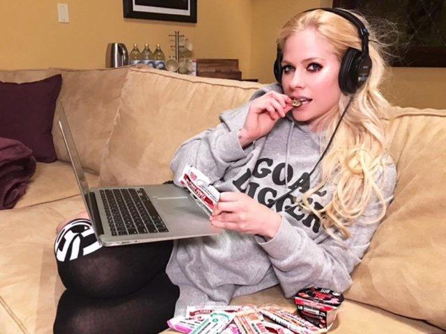 Avril Lavigne Is 2017's 'Most Dangerous Celebrity'