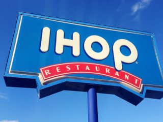 Video captures brawl at IHOP in Memphis