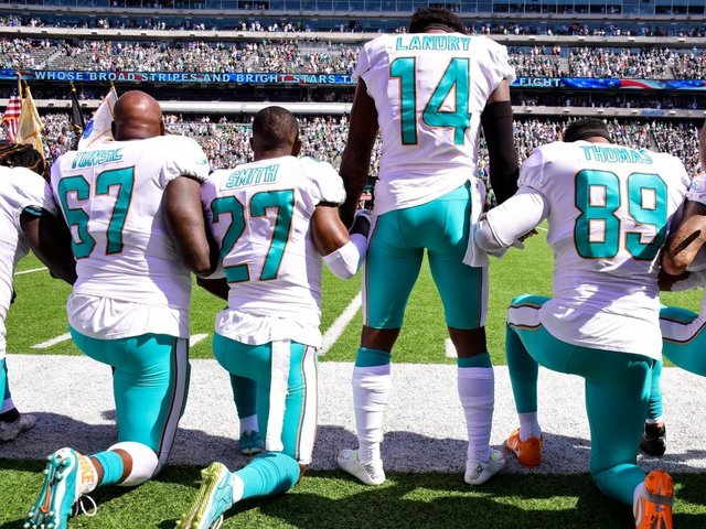 NFLPA Files Grievance Over League's National Anthem Policy