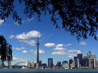 Toronto gunman kills two, injures 12