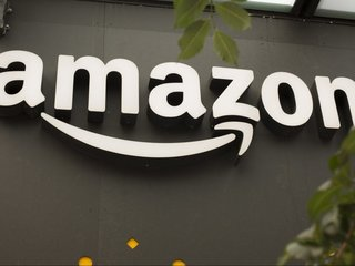 Amazon developing bank account program