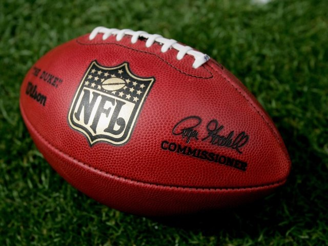 NFL To Offer Free Online Viewing As Ratings Continue To Fall